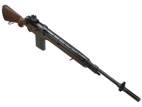 バレル上面のヒートカバー(実銃も樹脂製)とウッド調ストック以外は、全て金属パーツで再現された外観。