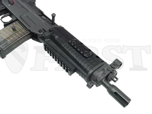 3箇所に設けられた金属製レイル。下面レイルは取り外して更に軽快に使う事も可能。銃口部は14mm逆ネジ対応。(他機種専用のフラッシュハイダー等で、一部相性の合わない場合があります)