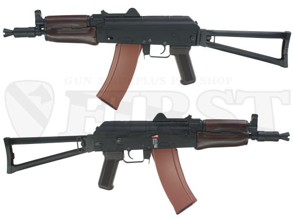 比較的古いモデルの為、AK74MNの様なナイトビジョン搭載のためのサイドマウントは設けられていない。