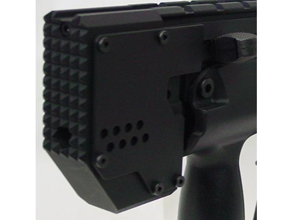 オリジナルデザインの「ストライクフェイス」。現行のMP5シリーズとは一線を画す迫力のルックスです。