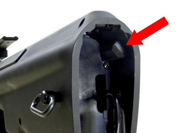 バッテリー収納部にはTLRSトリガーロックリリースシステム)を標準装備。万が一のトリガーロックによるトラブルも回避できます。  ※実際は誤作動を防ぐため、プレートの内側に収納されています。