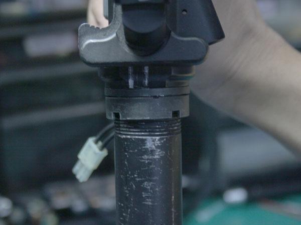 ロアフレームストックパイプ付け根に補強を施します。