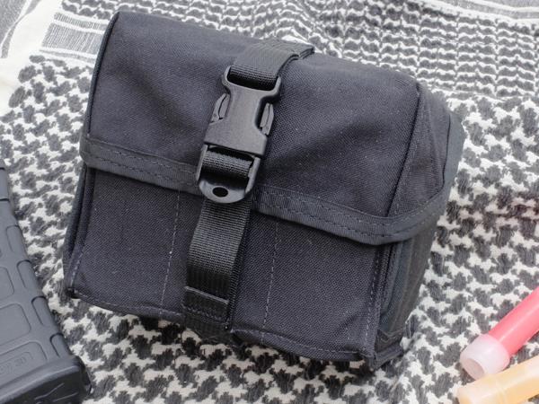 40mm グレネードポーチ 6-Pack 6/9 BK